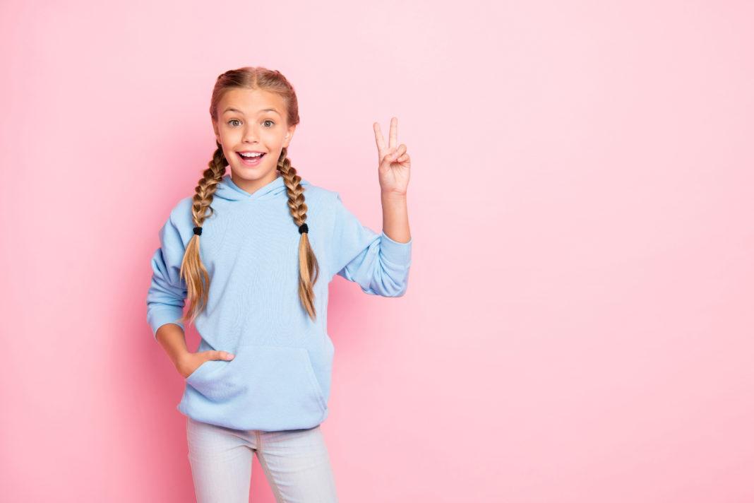 jaką wybrać bluzę i sweterek dla dziecka?