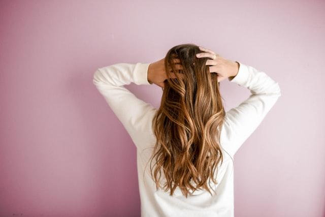 peeling do skóry głowy, świadoma pielęgnacja włosów