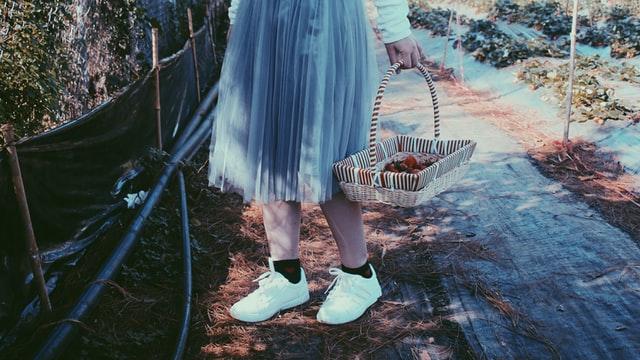skarpetki i trampki, sandały i skarpekti
